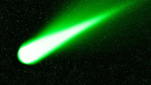 Christmas Comet.A Bright Green Christmas Comet Will Fly The Closest To